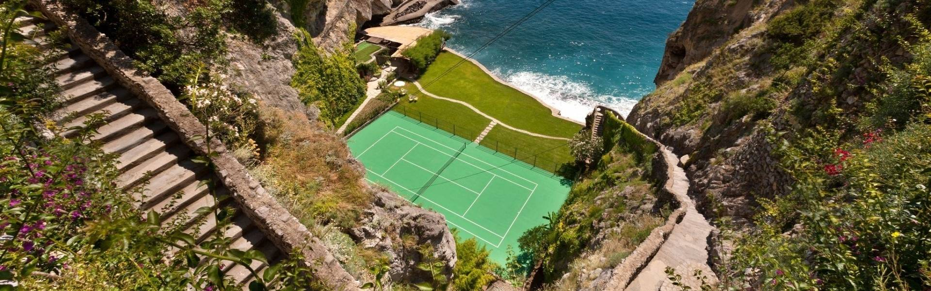 Aerial view of the tennis court at Il San Pietro