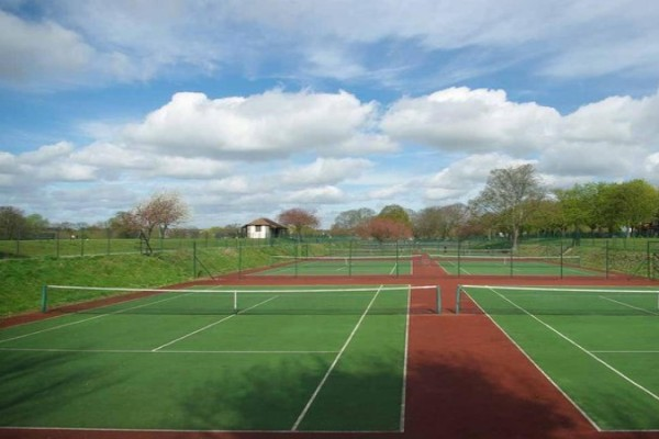 Top 10 tennis clubs in Essex thumbnail image